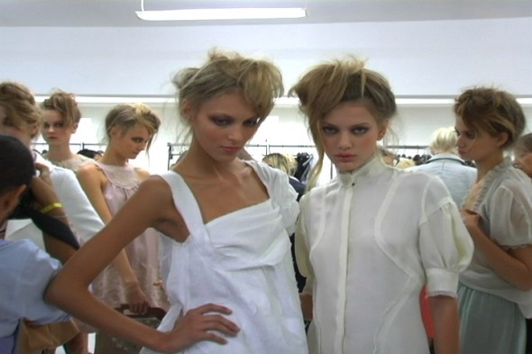 Backstage @ Fendi Spring 2010