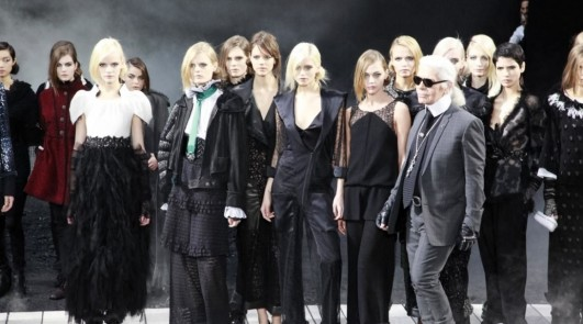CHANEL FALL 2011 - FINALE w KARL LAGERFELD