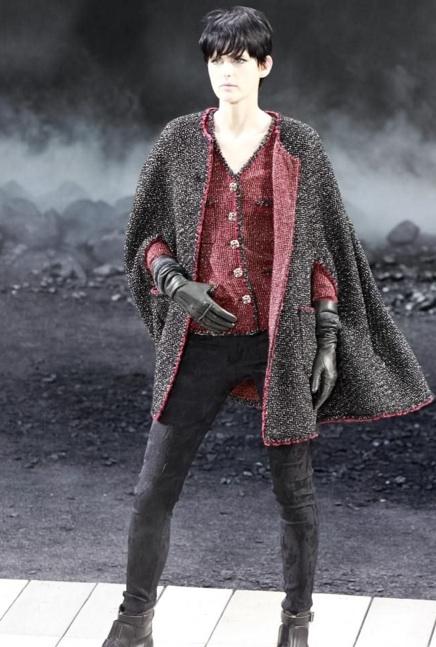 Chanel Fall 2011 - Look 1 Stella Tennant
