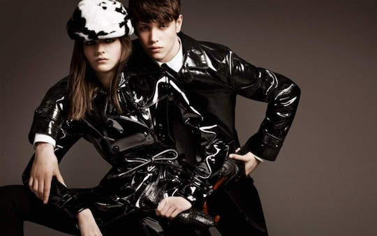 Burberry Fall 2011 Ad Campaign by Mario Testino