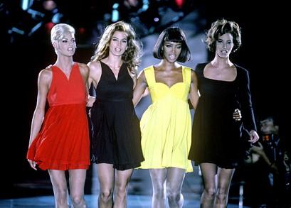 Supermodels Linda, Cindy, Naomi, Christy - Versace Fall 2001