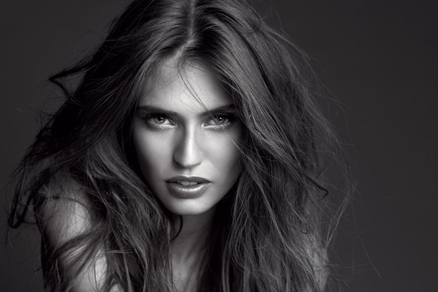 bianca-balti-loreal-paris
