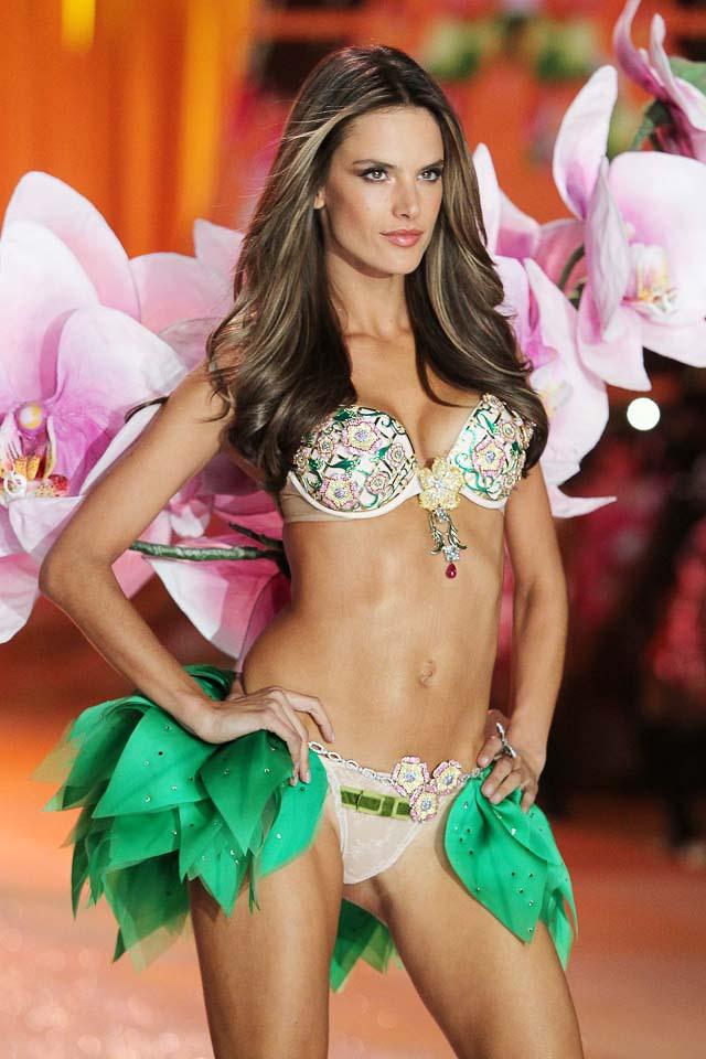Alessandra Ambrosio Victoria's Secret 2012 fashion show Fantasy Bra