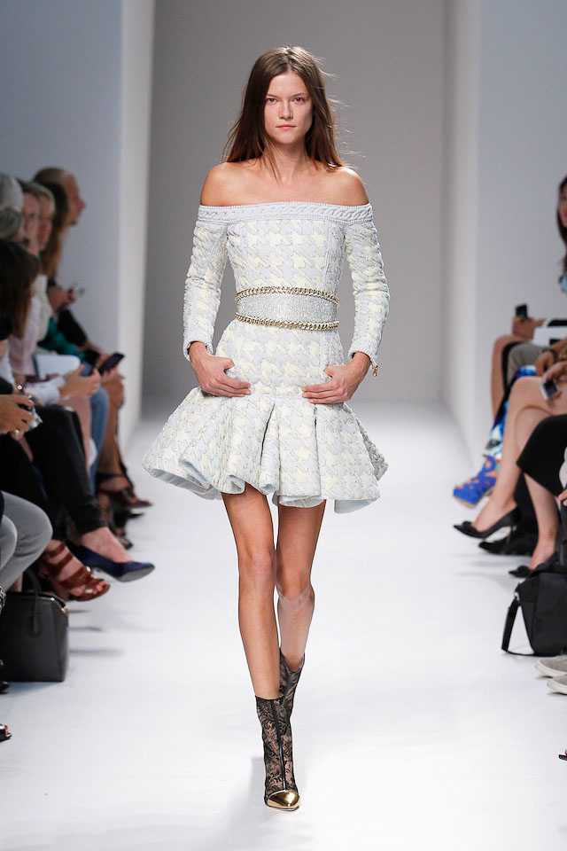 Kasia Struss walks the Balmain Spring 2014 fashion show
