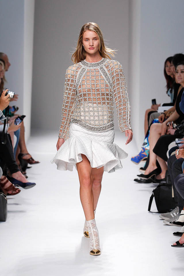 Rosie Huntington-Whiteley walks the Balmain Spring 2014 fashion show