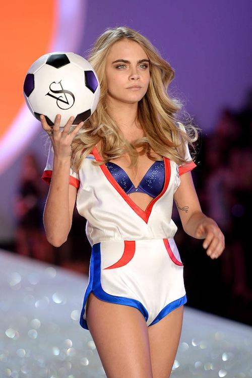 Victorias-Secret-2013-Cara-Delevigne