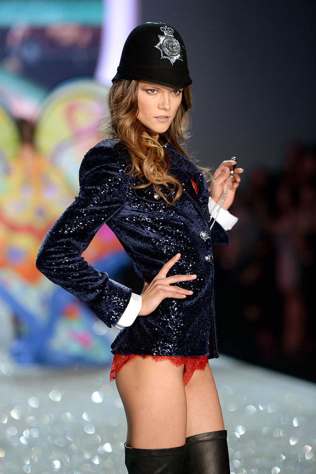 Kasia Struss walks in the Victoria's Secret 2013 fashion show