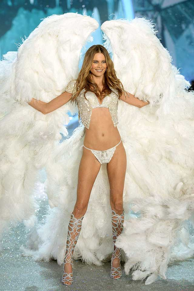 Behati Pinsloo, Victoria's Secret 2013 Fashion Show